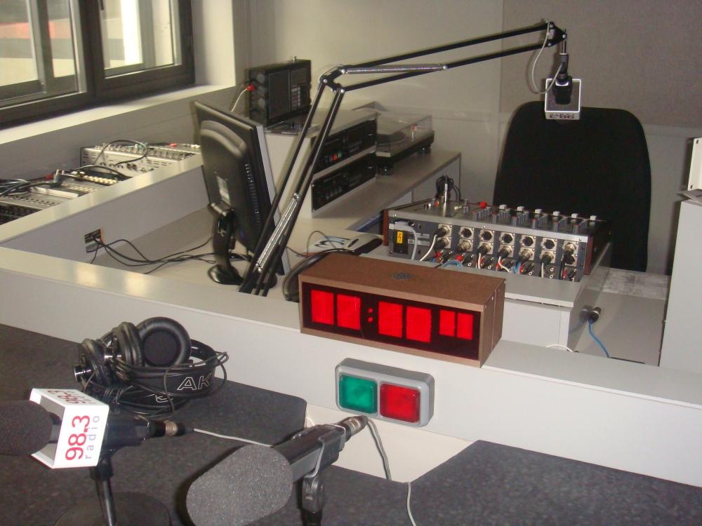 Estúdio de rádio da Fcom de Navarra